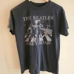 "Vintage ""The Beatles"" Abby Road band shirt"